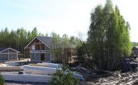 В поселке OSKO-VILLAGE макисмально сохранена природная растительность.